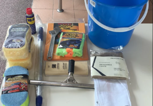 2235Cleaning Equipment Set